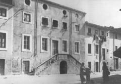 Palazzo Santini - Foto tratta da Nuova Viareggio Ieri N.9 - novembre 1993
