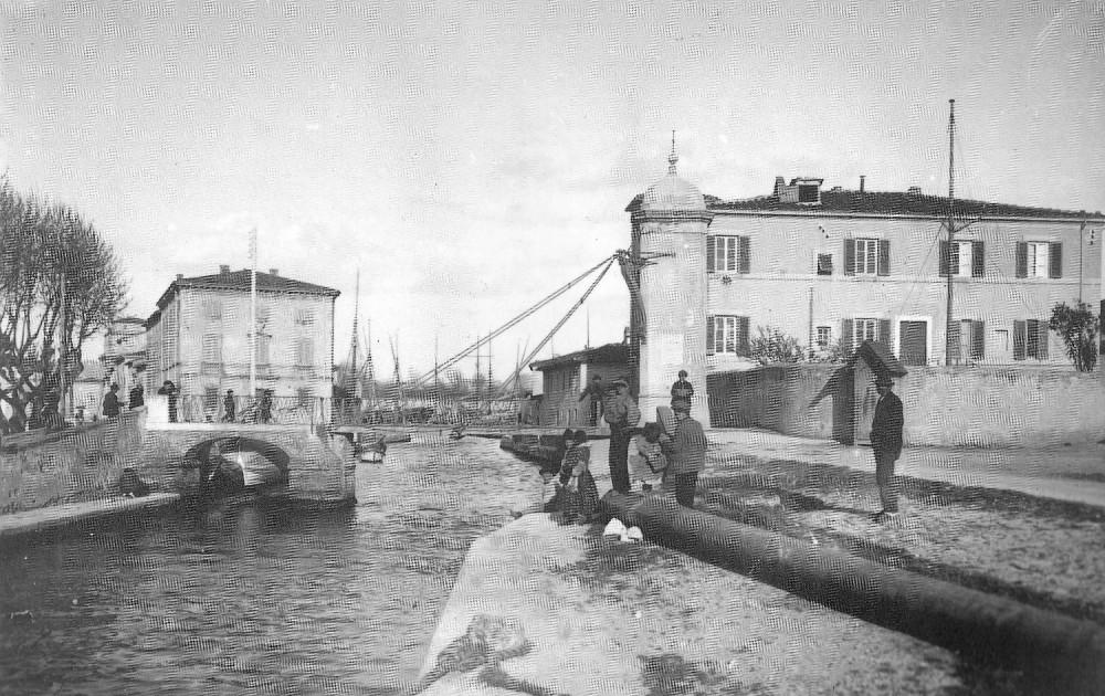 Ponte Levatoio di legno - Foto tratta da A Viareggio sul treno dei ricordi - Pezzini Ed. 1992