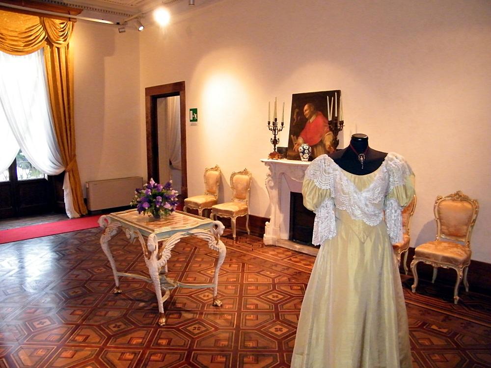 Viareggio - Villa Borbone - Interno - 2013 06 09 - DSCF0457